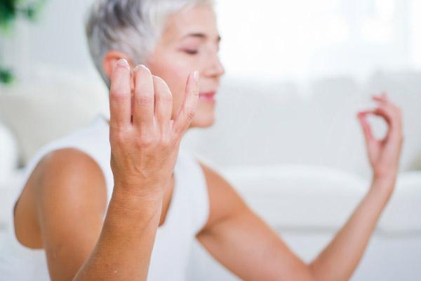 Rheumatoid Arthritis article: Bed Exercises for RA